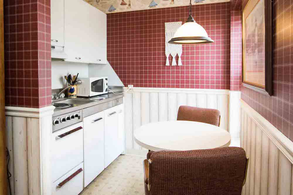 Extended Stay Suites with Full Kitchens